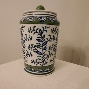 NWT HOME DECOR CERAMIC  VASE